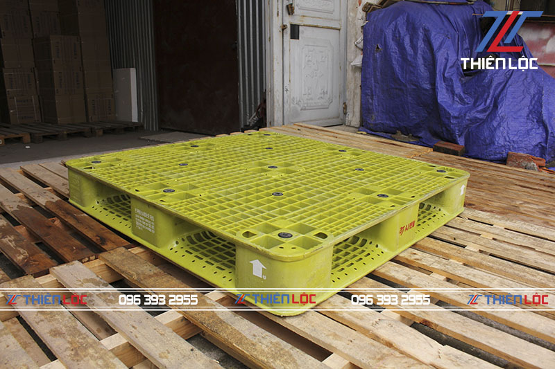 Pallet nhựa Hàn Quốc xanh lá 1100x1100x150