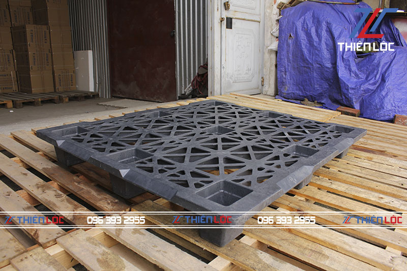 Pallet nhựa kệ cốc black 1200x1000x145