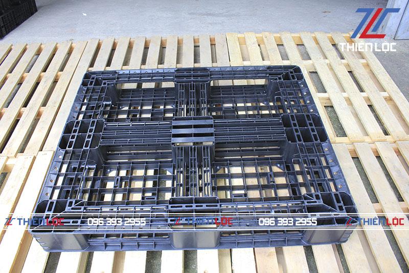 Pallet nhựa PL08 Black 1200x1000x145